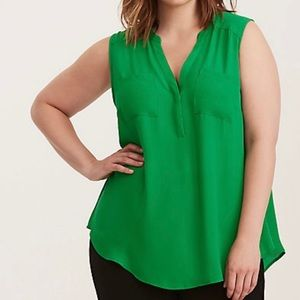 Torrid Georgette Pocket Tank in Kelly Green